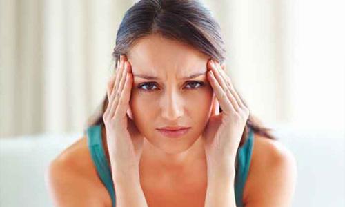 появляются резкие головные боли
