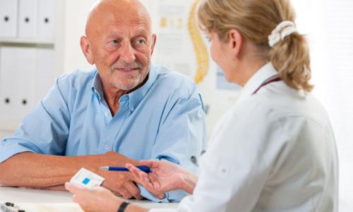 измерение давления пожилым