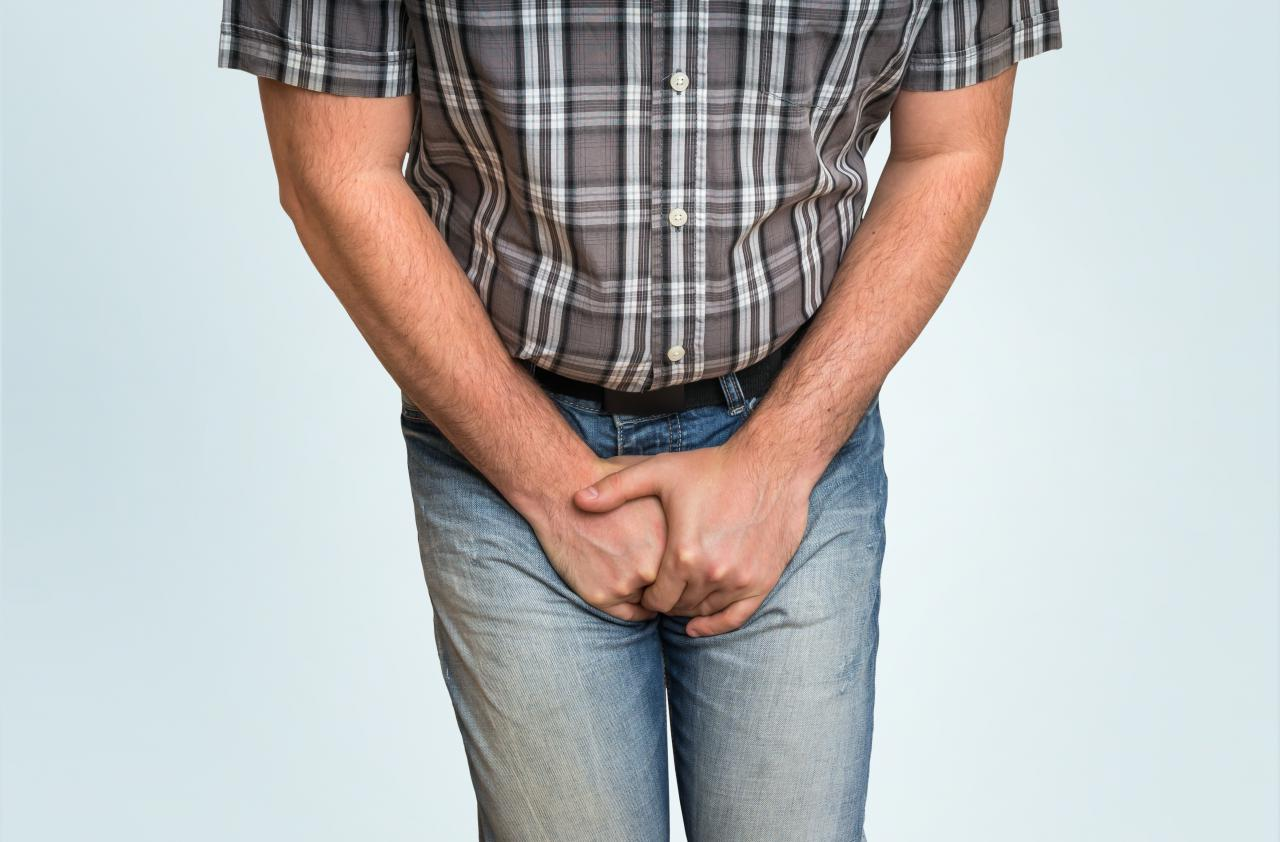 Как проявляются папилломы в паху у мужчин
