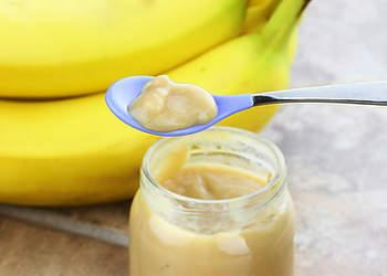 нежное банановое пюре с кефиром