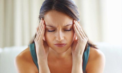 убирает головные боли