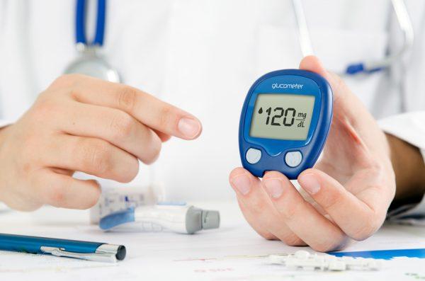 Лечение сахарного диабета обязательно должен проводить только врач