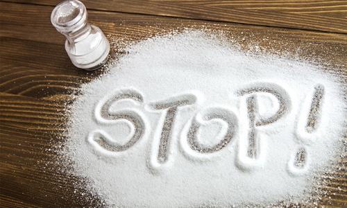 ограничив потребление соли
