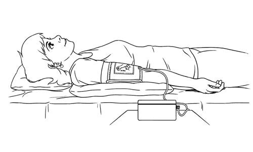 измерение давления лежа