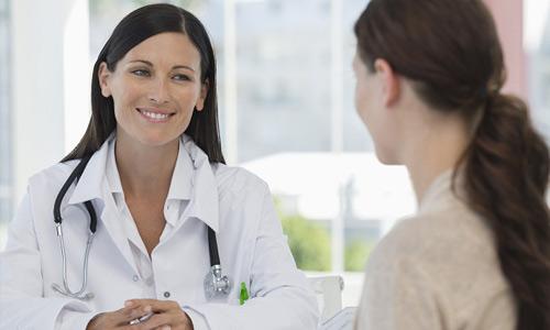 врач назначает терапию
