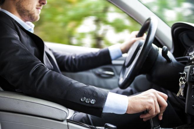 Не стоит во время лечения водить автомобиль