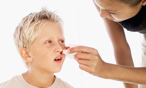 кровь из носа при гипотонии